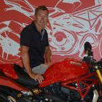 Troy Bayliss wins motorcycle show battle