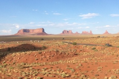 Monument Valley - road to sturgis