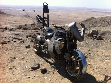 Mad Max Yamaha R1 'No Plate