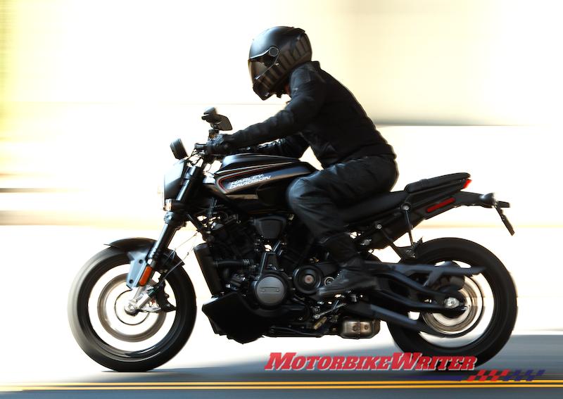 Nền tảng Harley-Davidson Revolution Max Bronx Streetfighter