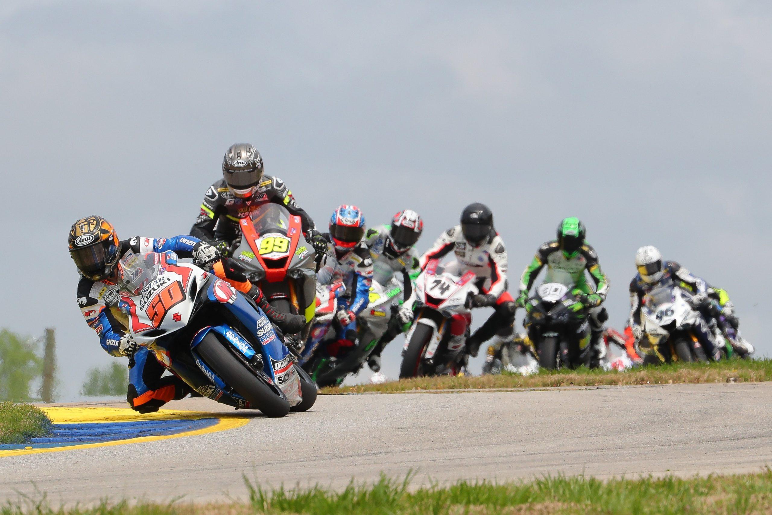 MotoAmerica Superbikes racing at Road America in 2021