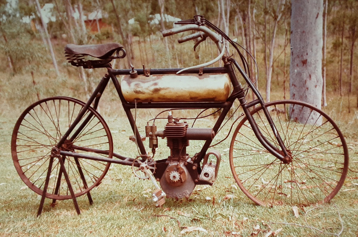 A Spencer motorcycle c.1906 before restoration in the Aussie bush