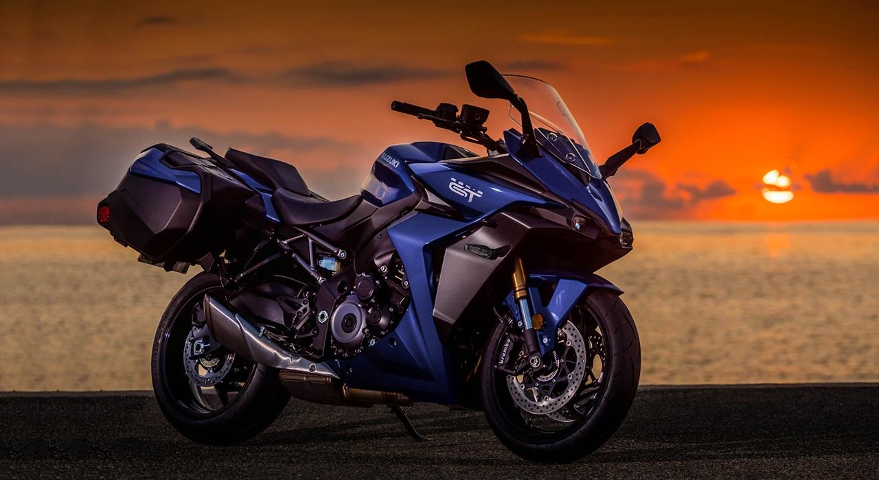 2022-Suzuki-GSX-S1000GT-1
