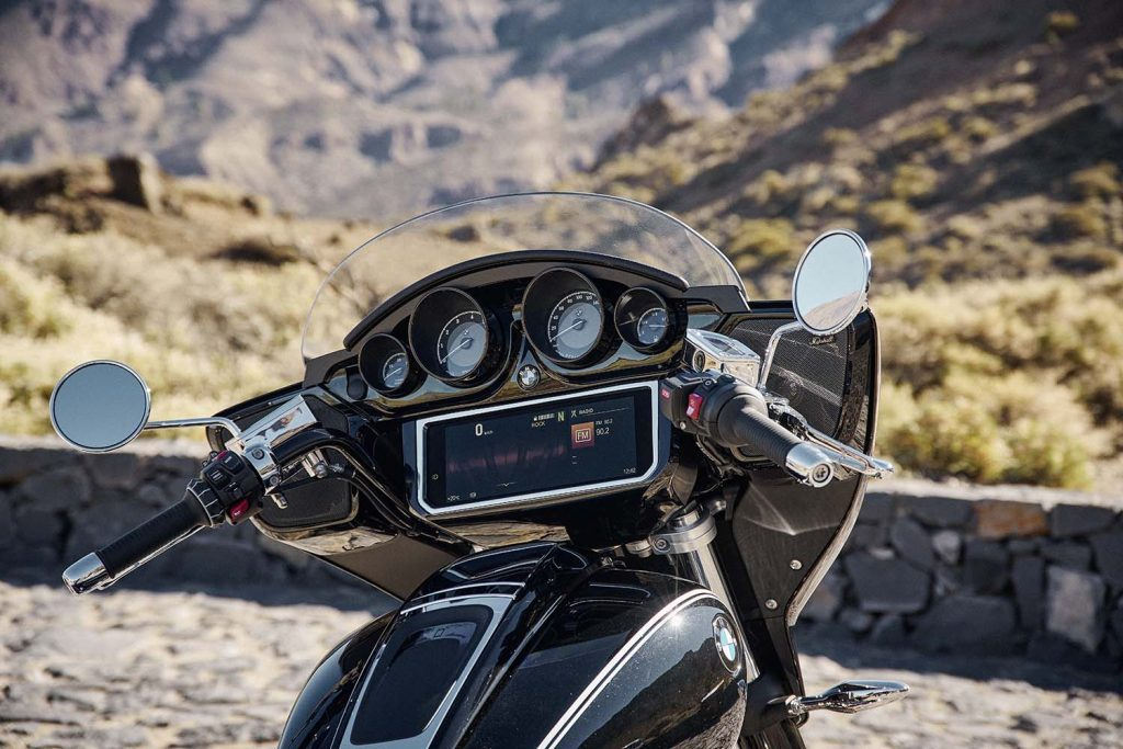 A side view of the infotainment system present on the all-new 2022 BMW Transcontinental