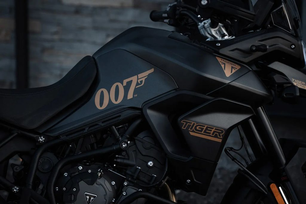 A view of the gas tank and decal detailing on the 2022 Tiger 900 Rally Pro Bond Special Edition