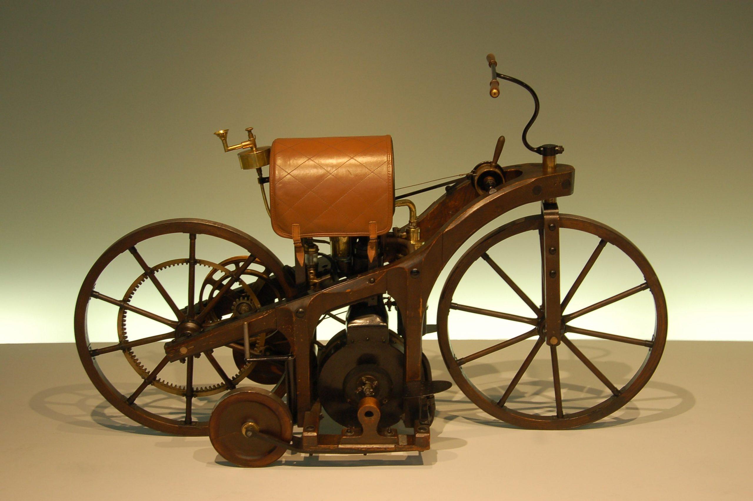 1885 Reitwagen internal combustion motorcycle on display in exhibit